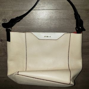 Furla made in Italy medium size leather bag